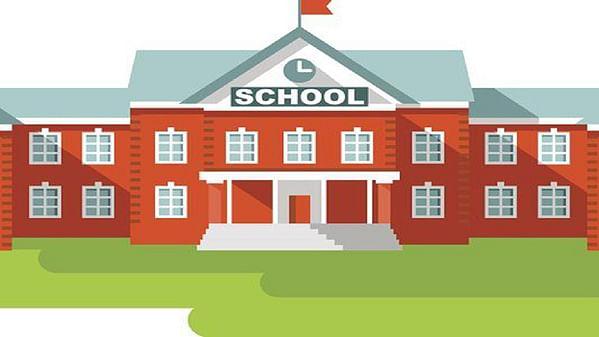 इंग्रजी शाळांना शाळा सुरू करण्यासाठी   देखभाल दुरुस्ती अनुदान द्या