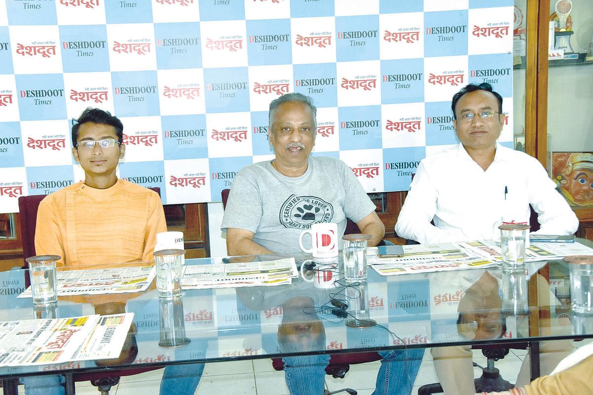 Deshdoot Samvad Katta : Pets and humans develop a bond; take good care, say experts