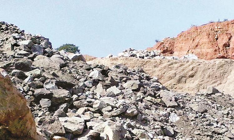 दगडखाण मालकास दंडाची नोटीस बजावण्यात दिरंगाई