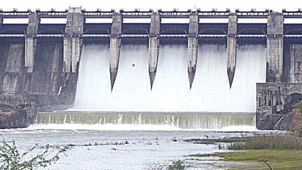 बंधारे भरण्यासाठी मुळा नदीत पाणी सोडण्याचे जलसंपदा मंत्र्यांचे आदेश