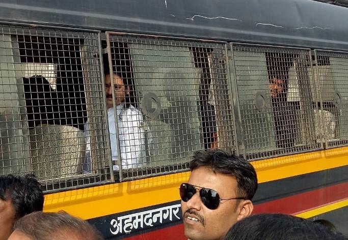 हिंदू राष्ट्र सेनेचे धनंजय देसाई पोलिसांच्या ताब्यात