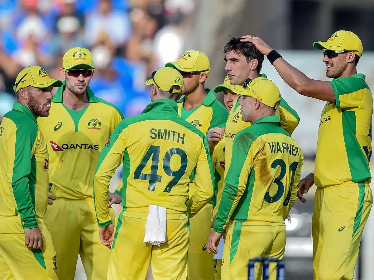 टीम इंडियाचे ऑस्ट्रेलियासमोर २५६ धावांचे लक्ष्य