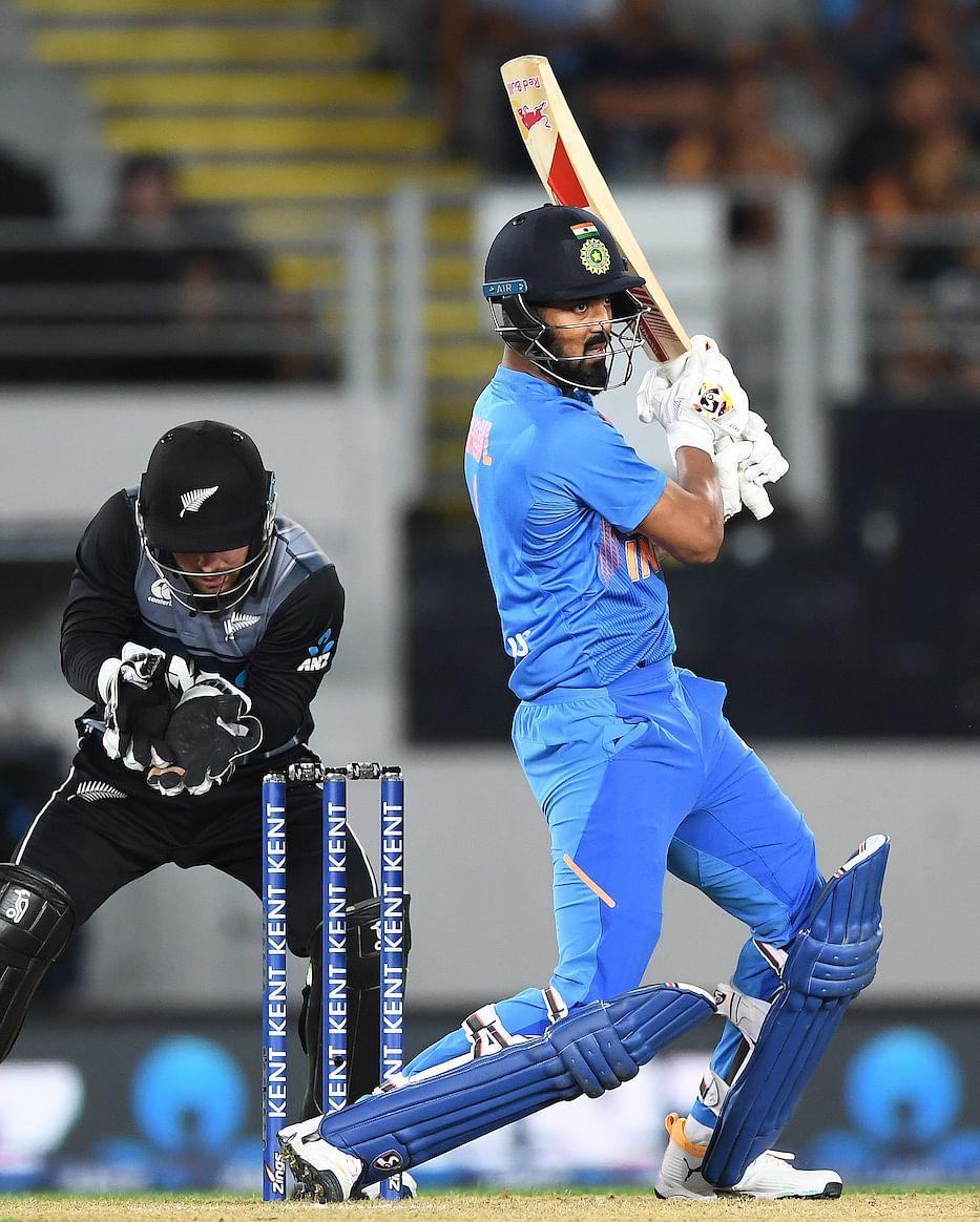 भारताची विजयी सलामी; सहा गडी राखुन न्यूझीलंडचा पराभव