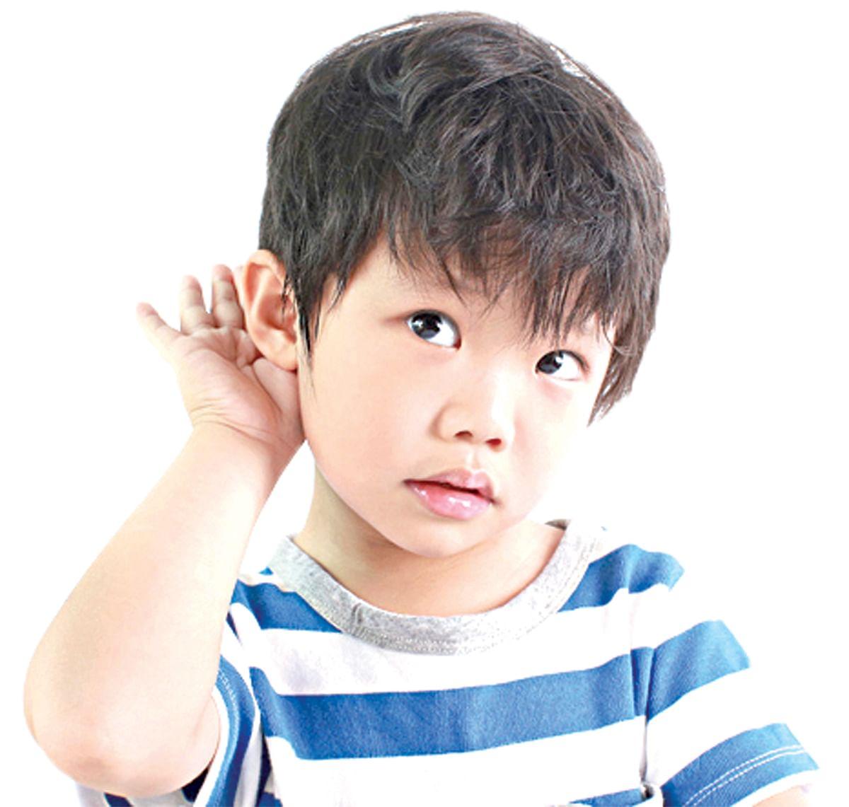 आरोग्यदूत : कर्णबधिर बालक