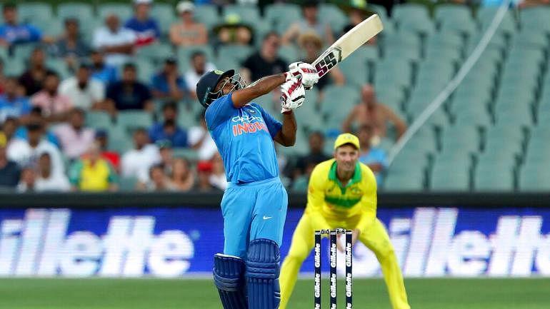 भारताचे ऑस्ट्रेलियासमोर ३४१ धावांचे लक्ष्य
