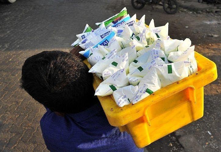 उद्यापासून दूध दोन रुपयांनी महागणार