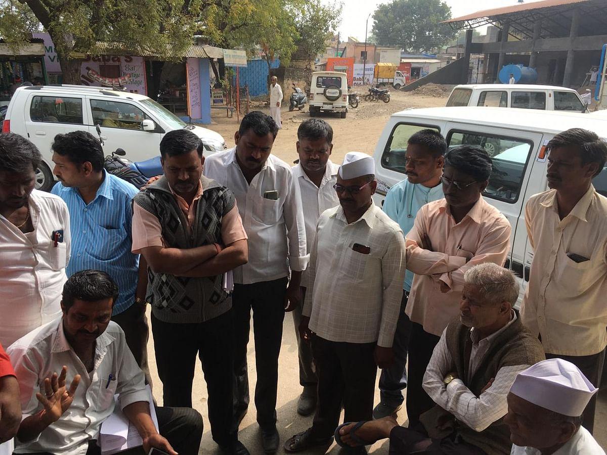 Ground Report/Video : 'आमदनी अठन्नी, खर्चा रुपैया' 'अवकाळी'च्या तडाख्यानंतरही शेतकरी पीक विम्यापासून वंचित