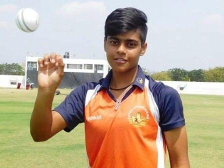 वनडे सामन्यात हॅट्रिकसह घेतल्या दहा विकेट; 'या' भारतीय महिला खेळाडूचा विक्रम