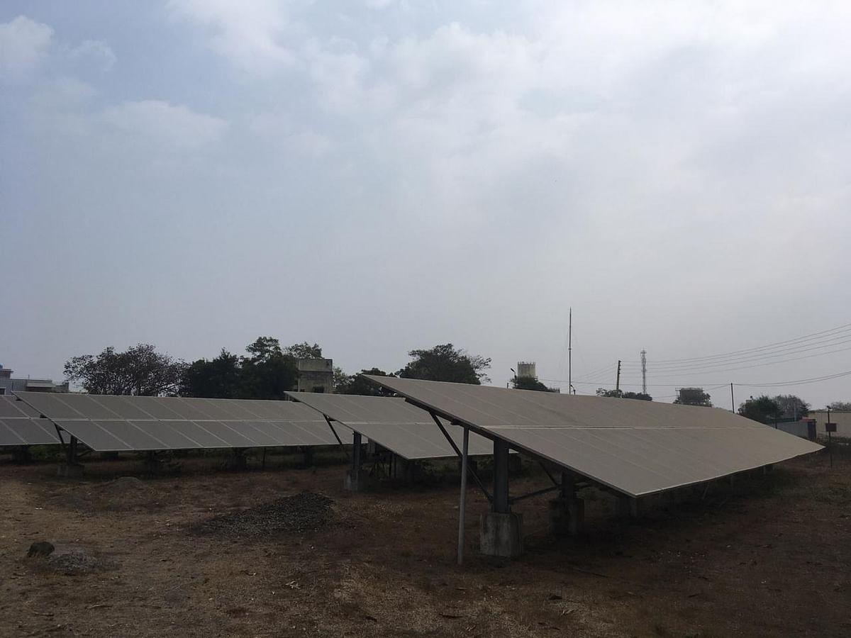 Video : ग्राऊंड रिपोर्ट : शेतकऱ्यांना सौर कृषी वाहिनीचा आधार; वावी प्रकल्पातून दिवसाकाठी 2100 युनिटची विजनिर्मिती