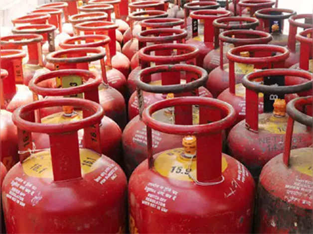 As Covid-19 relief, 1.12 lakh people avail free LPG cylinder in April
