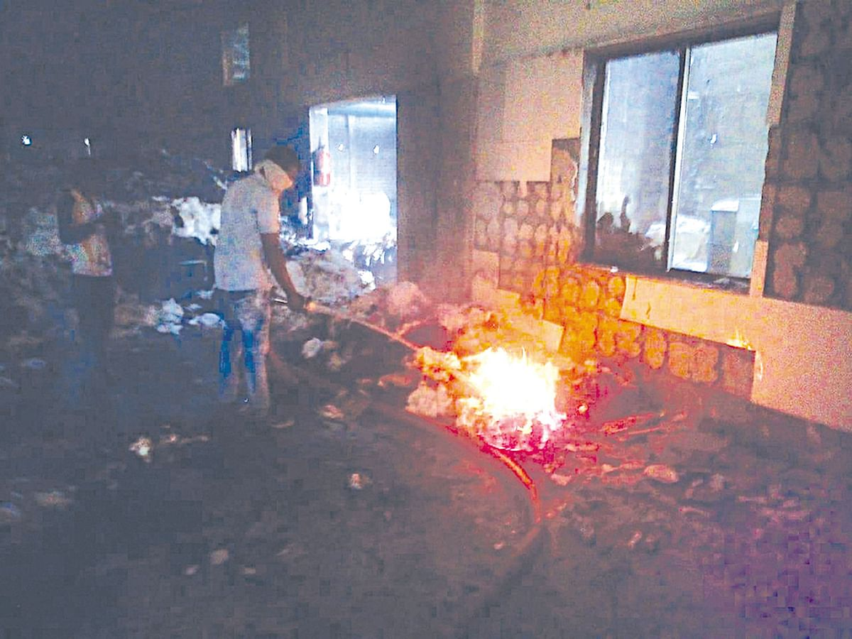 नरडाण्यात आग : 14 लाखांचे नुकसान