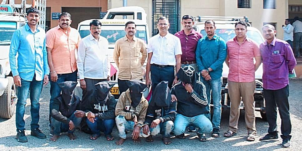 मुंबई-आग्रा महामार्गावर वाहनांची लुटमार करणारी टोळी जेरबंद