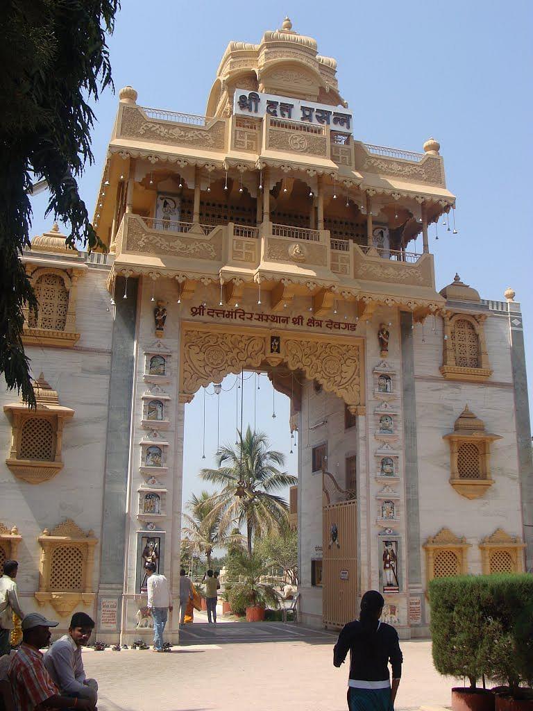 कोरोना : श्री क्षेत्र देवगडची सर्व मंदिरे बंद