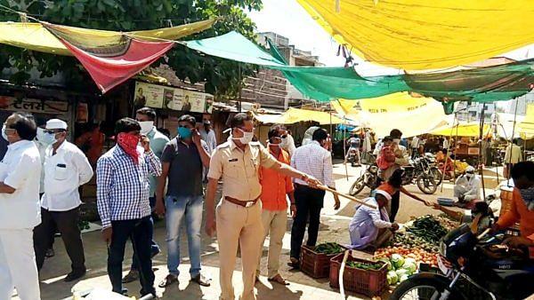 जामखेडमध्ये पोलीस, पत्रकार उतरले रस्त्यावर