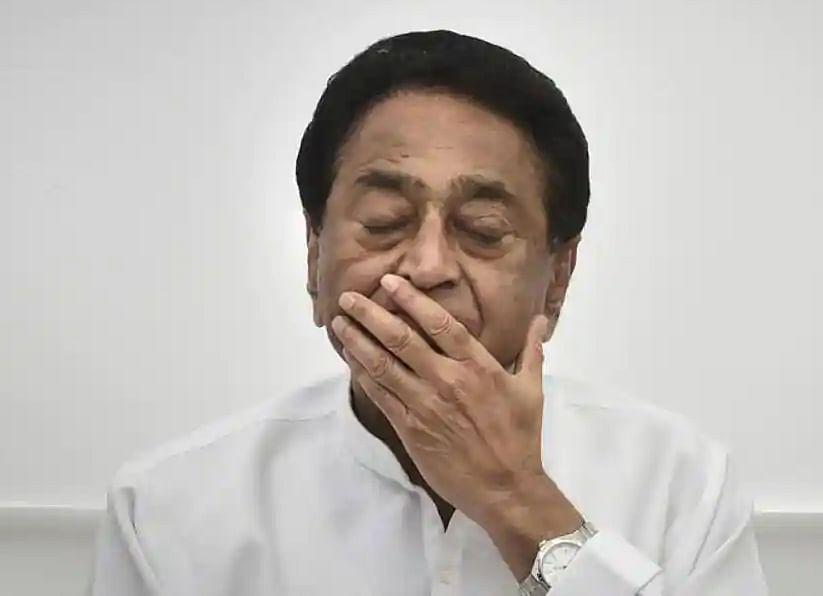 मुख्यमंत्री कमलनाथ यांचा राजीनामा; अवघ्या १५ महिन्यातच सरकार कोसळले