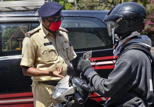 जामखेडमध्ये संचारबंदीचे उल्लंघन केल्याप्रकरणी चौघांविरोधात गुन्हे दाखल