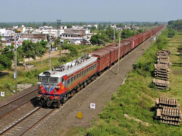 मध्य रेल्वेची 35.53 दशलक्ष टन मालाची वाहतूक