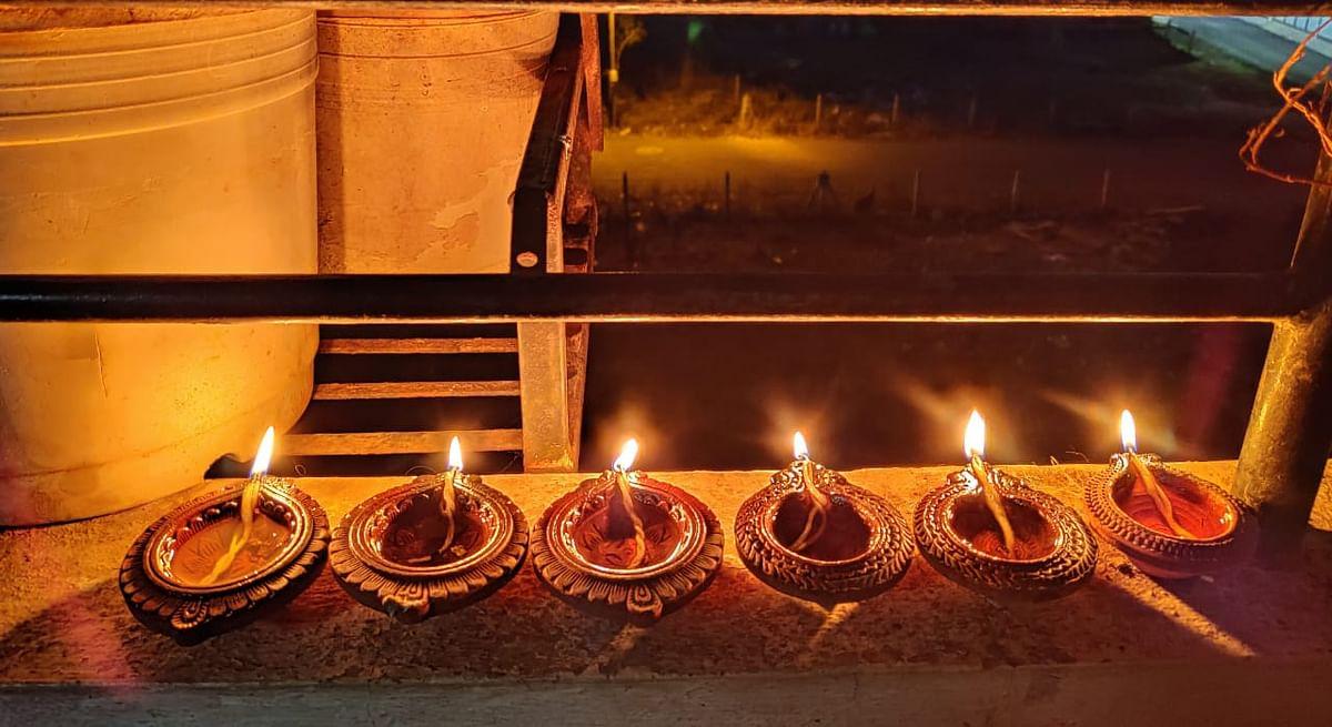 रामनवमीदिनी घराघरांत उजळल्या ज्योती; कोरोना फायटर्सला प्रोत्साहन