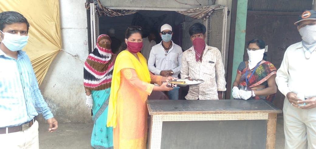 इगतपुरीतही शिवभोजन थाळीचा शुभारंभ; गोरगरिबांना १०० थाळींचे मोफत वाटप