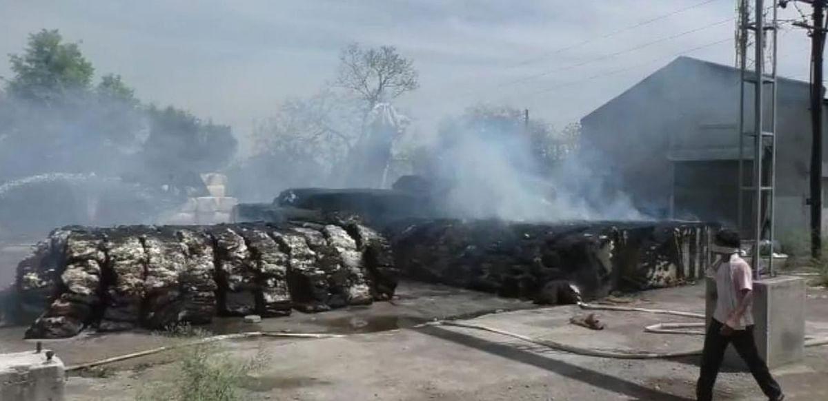 मलकापूर शहरात दोन ठिकाणी भीषण आग