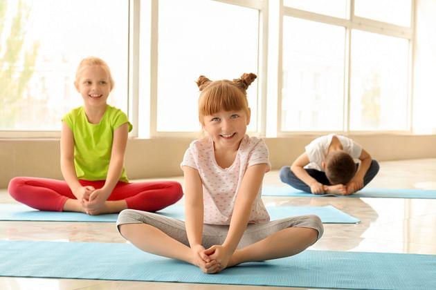 मुलांना शिकवूया योग