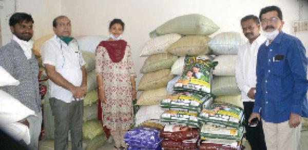 गरजूंना आदिक कुटुंबीय देणार 32 क्किंटल गहू, तांदळासह 16 क्किंटल हरभरा दाळ