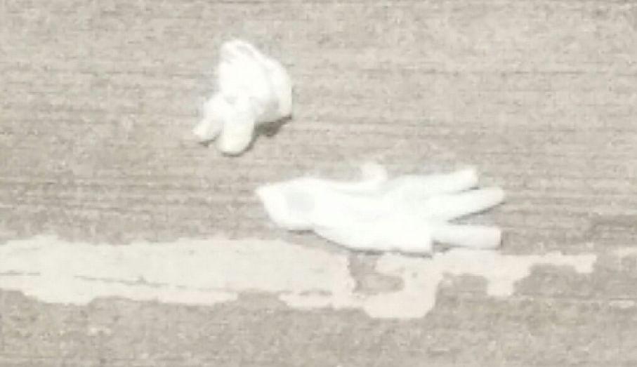 साईआश्रम विलगीकरण कक्षातील वापरलेले हँडक्लोज रस्त्यावर आढळले; नागरिकांचे आरोग्य धोक्यात