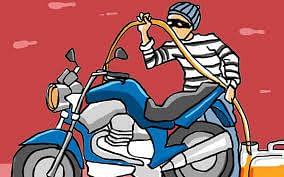 पोलिसांच्या ताब्यातील वाहनांतून पेट्रोलची चोरी