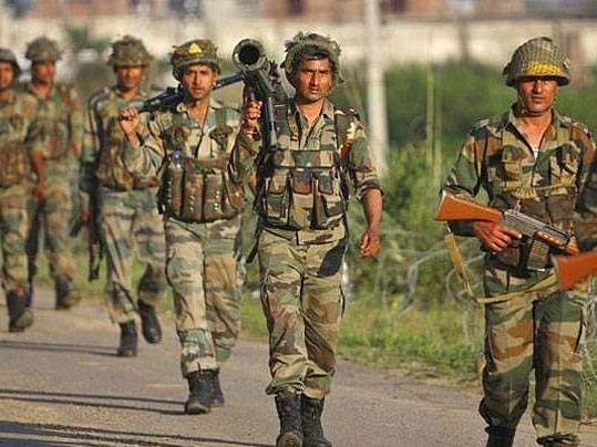 पाकिस्तानी घुसखोरांचा कट उधळला, ३ जवान शहीद