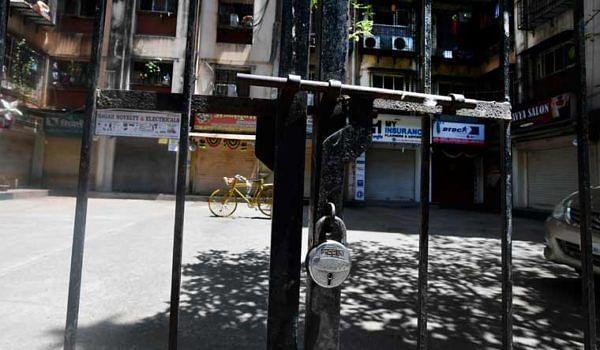 मुकुंदनगरमध्ये हॉटस्पॉट शिथील; अंतर्गत रस्ते मात्र बंदच