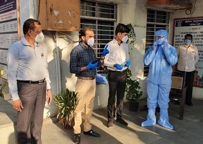 नाशिक पोलीस आता पीपीई किट्स परिधान करून घेणार कोरोना रूग्णांचा शोध