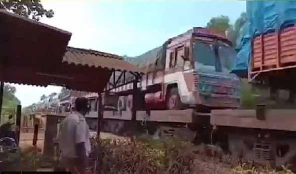 Railways transport 36724 wagons of foodgrain, 606 wagons/tanks of edible oil b/w April 1-12