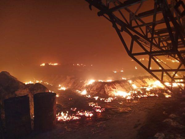 संगमनेर : युटेक शुगरच्या गोडावूनला आग, 35 कोटींचे नुकसान