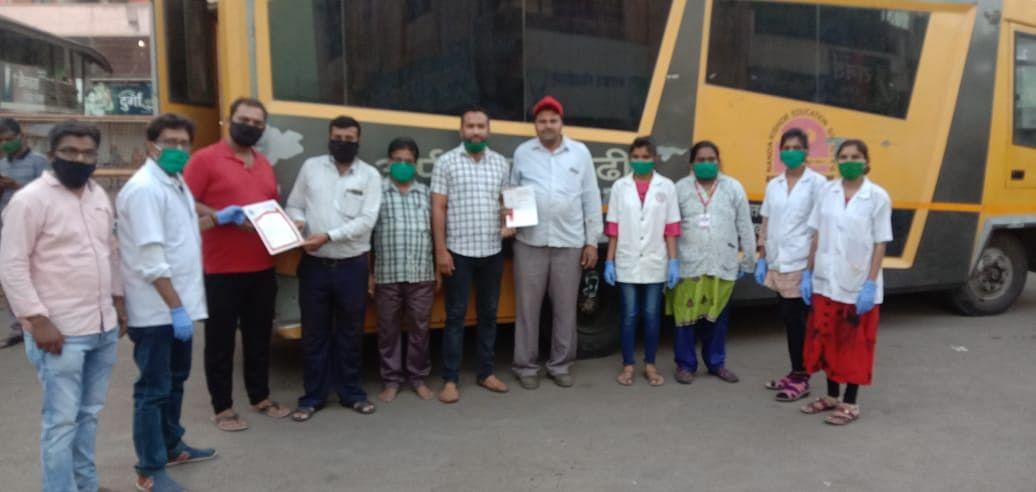 ओझर गावात रक्तदान शिबिराचे आयोजन, १०६ पिशवी रक्त संकलन