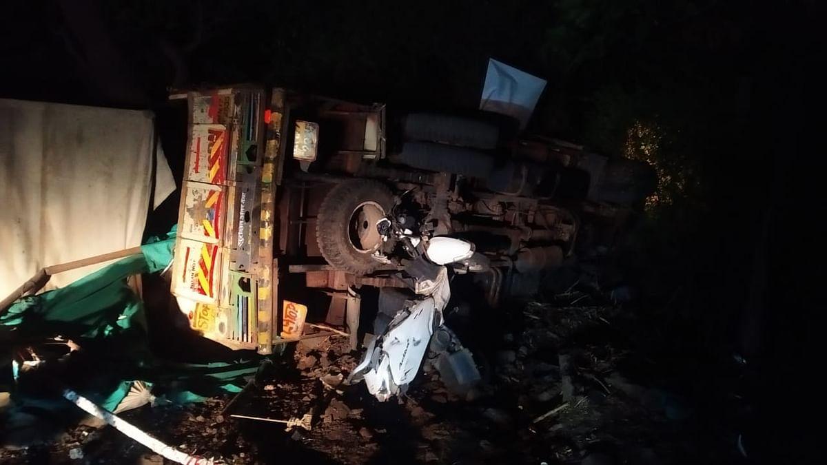 सिन्नर : भरधाव ट्रकची चेकपोस्टला धडक; कर्तव्यावरील शिक्षक गंभीर जखमी