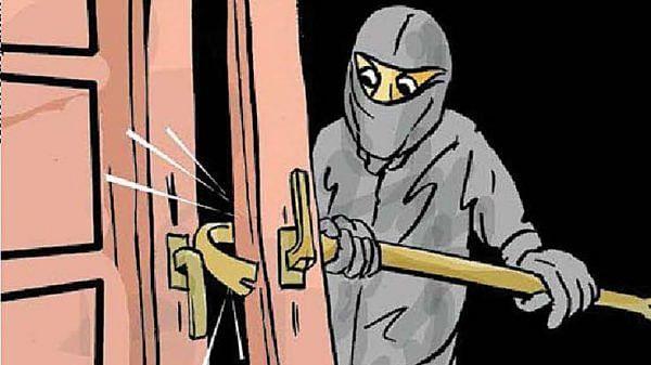 पाथरे खुर्दला दोन ठिकाणी धाडसी चोरी