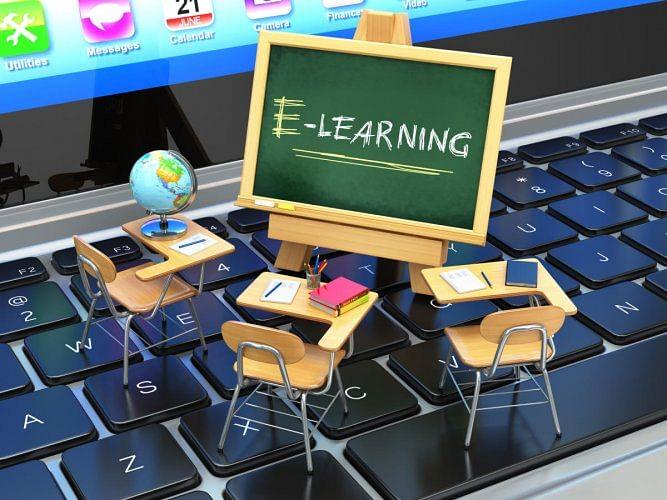 कर्जत-जामखेडचे विद्यार्थी घेणार ऑनलाईन शाळेचे धडे