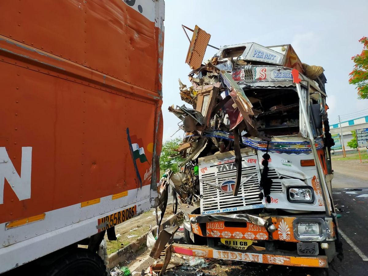राहाता – मालवाहू ट्रकचा भिषण अपघात, चालक ठार