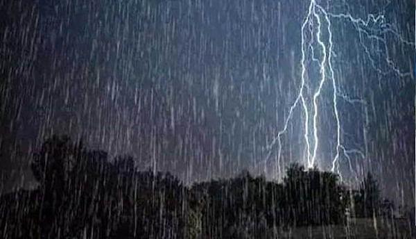 धुळे : जिल्ह्यात पुढील 24 तासात मुसळधार पाऊस, गारपीटीची शक्यता