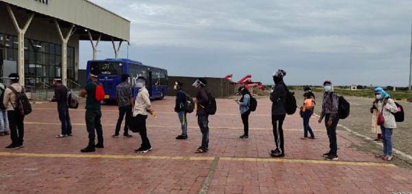 हैद्राबाद-शिर्डी या इंडिगो विमानातून 43 प्रवाशांचे शिर्डी विमानतळावर आगमन