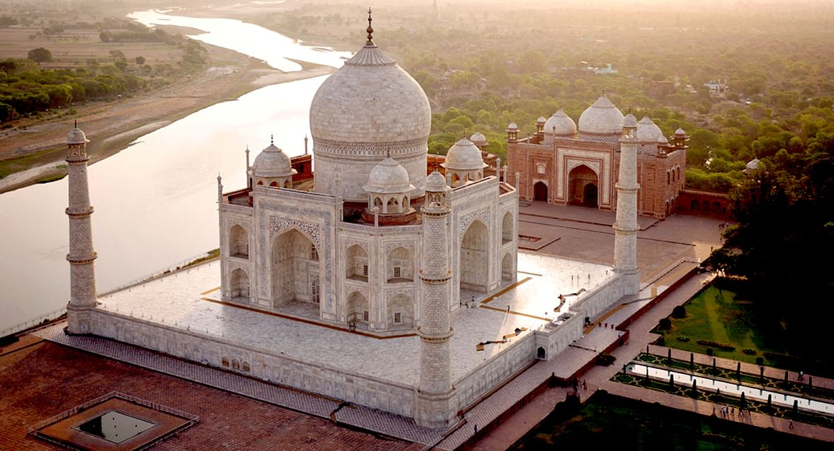 Yes. The Taj Mahal is a Despot's Monument to a Woman. It also Stands for Hindu Cultural Amnesia
