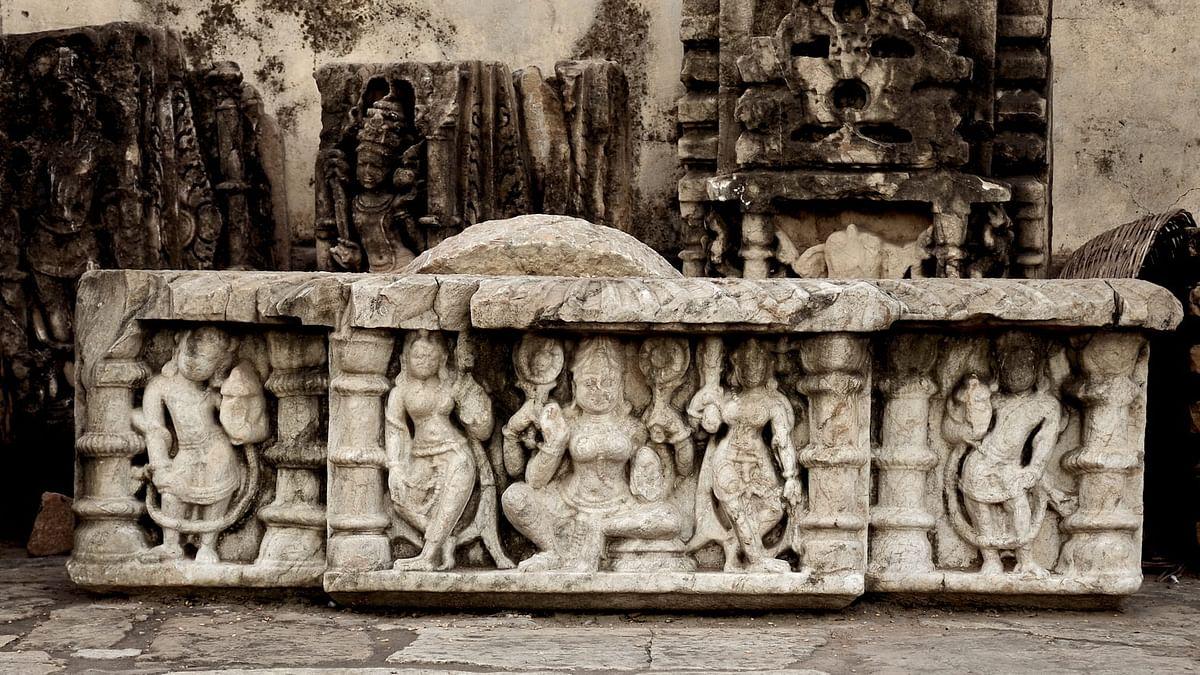 Subhāṣita Sunday: Episode 2: Sarvajna, Bhartruhari, and the Wandering Mason