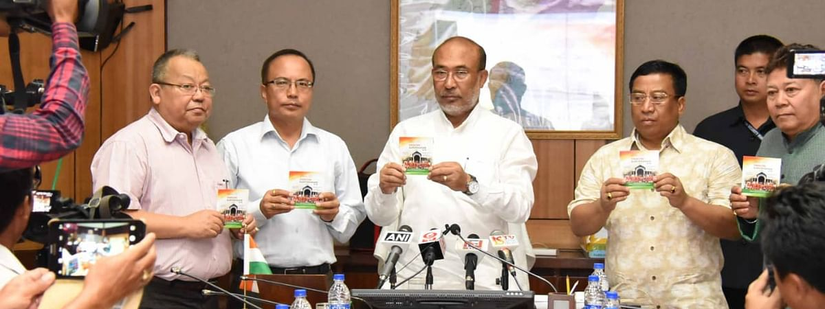 Manipur CM N Biren Singh launching the Swachh Suveksan 2019 campaign song, <i>Houro Laklo</i>, in Imphal on Saturday