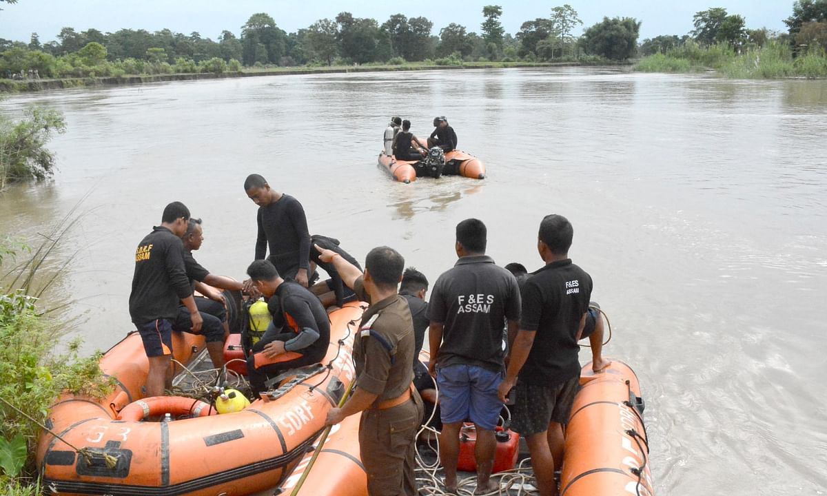 Dikhow mishap: No clue of missing family, Navy divers' search on