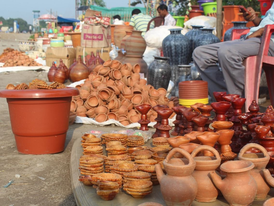 Silent invasion of Chinese goods irks potters in Siliguri