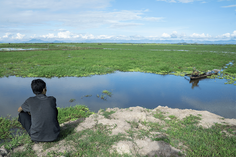The site of the upcoming sanctuary is to the west of the Loktak lake. The diversity of birds here and the enthusiasm of youth prompted the conservationists to take up the cause of declaring the stretch as a bird sanctuary