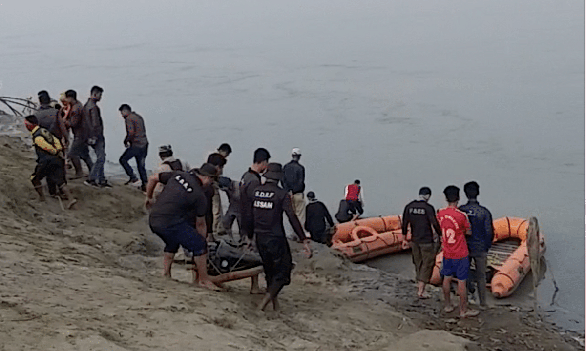 Assam: A day on, no trace of two girls who drowned in Brahmaputra