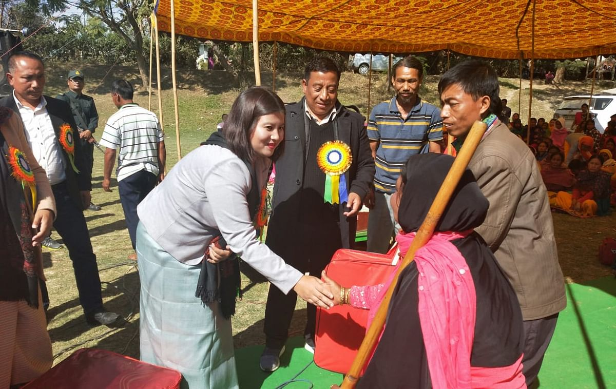 Blankets being distributed among a section of the differently-abled people during the event in Imphal East on Monday