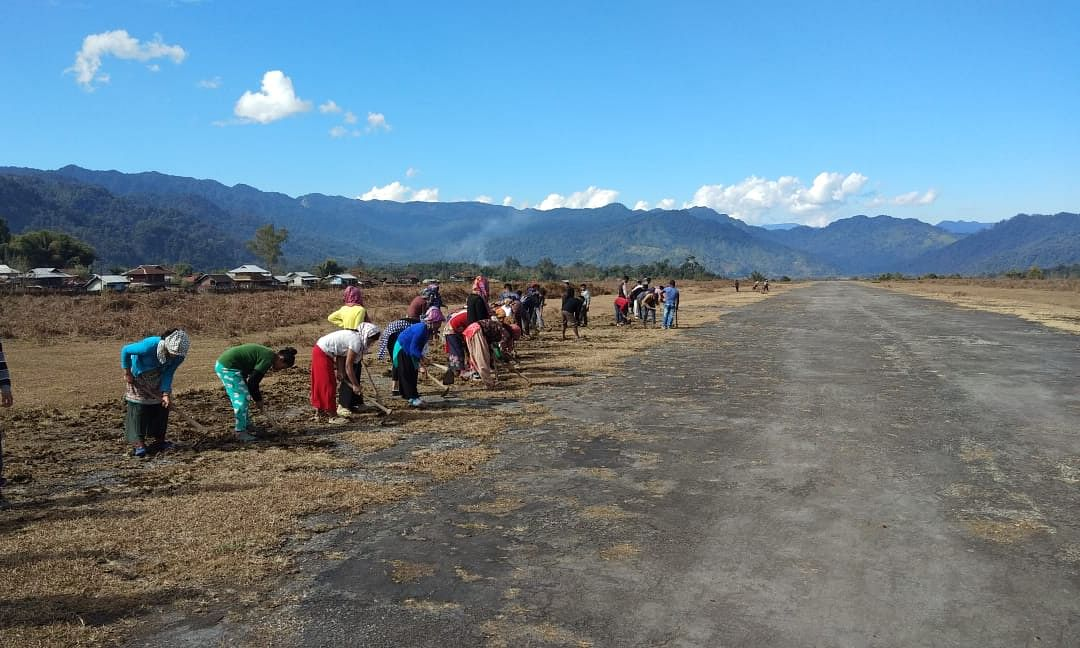 Arunachal villagers offer 'shramdaan' to make airstrip operational