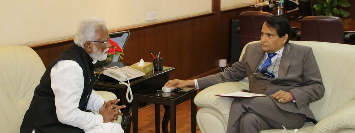 Mizoram Governor Kummanam Rajasekharan during a meeting with Union Civil Aviation Minister Suresh Prabhu